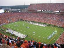What makes Auburn fans the Auburn Family?